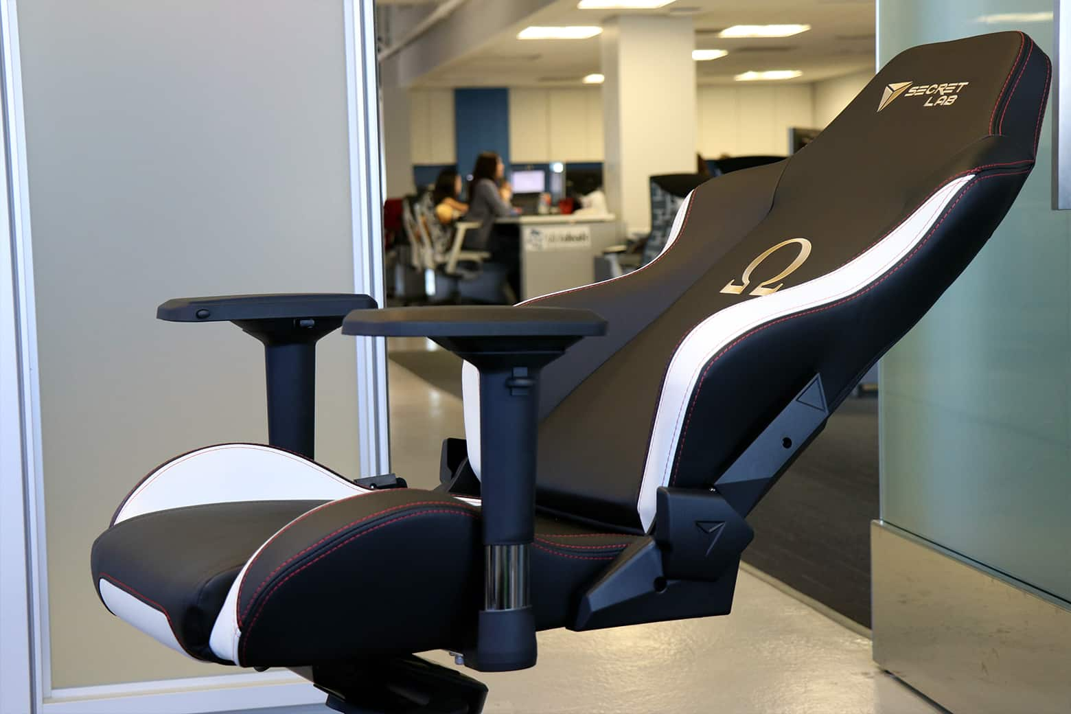 Handson with Secretlab Gaming Chairs OMEGA and TITAN – You Chair