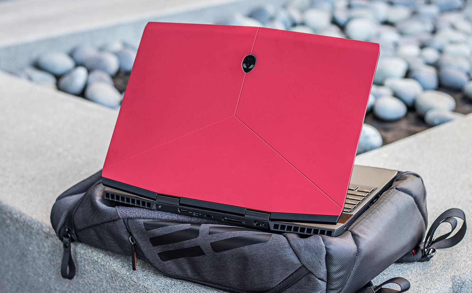 Alienware's m15 Gaming Laptop Now Offers an OLED Display for Incredible  Visuals