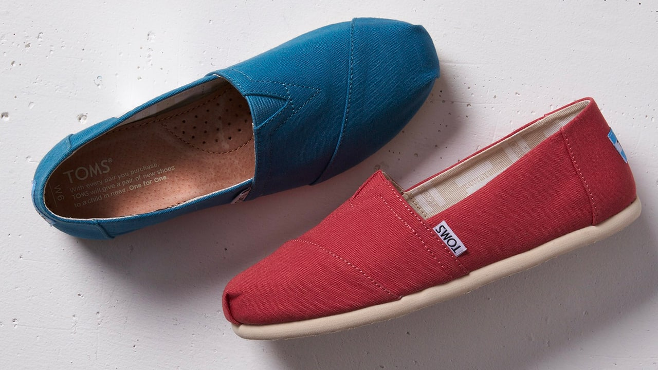 caf74c048af Nordstrom Rack currently has hundreds of TOMS on sale for the entire  family. Some of them are up to 74% off.
