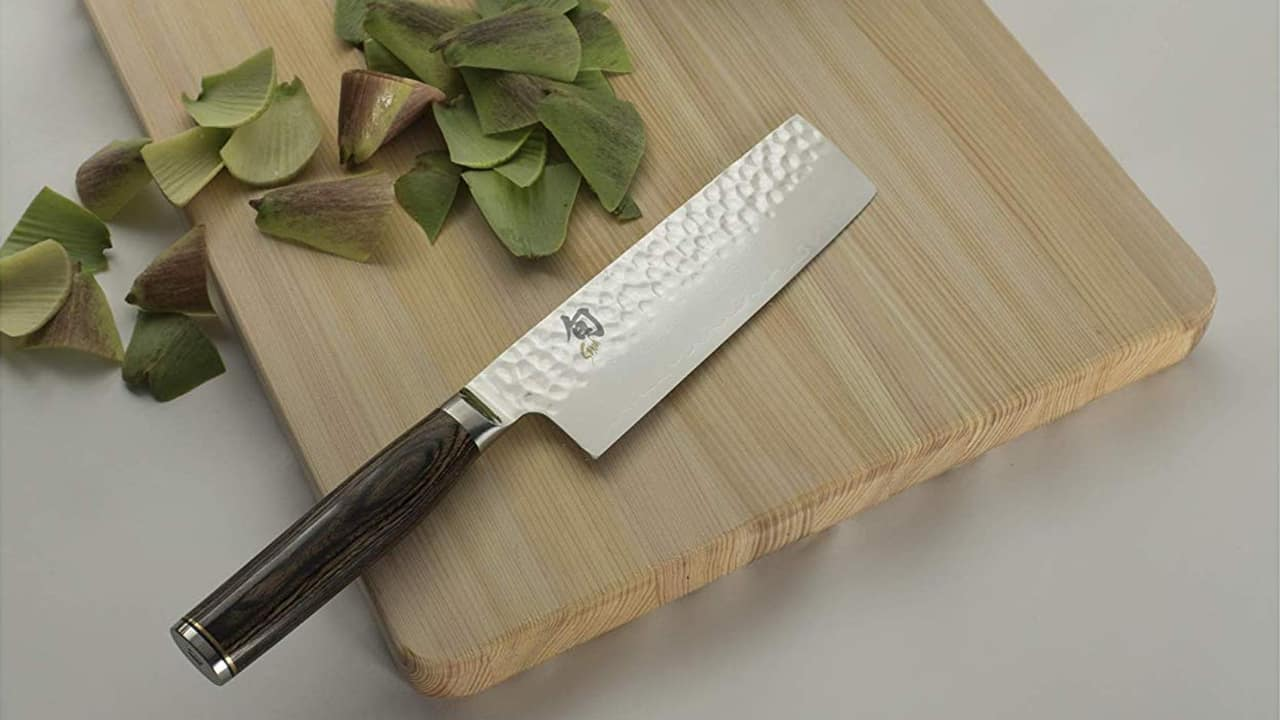 shun-nakiri-knife-on-cutting-board