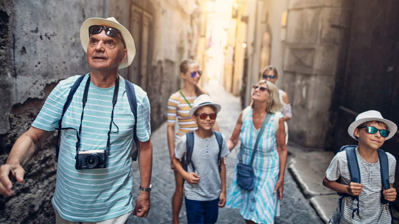 multi-generational-family-sightseeing