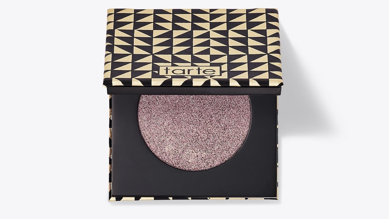 tarte cosmetics shimmery eye shadow in plum