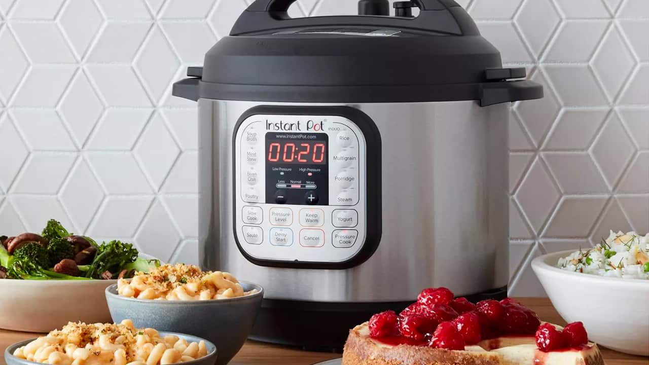 Instant Pot Duo 7-in-1 Reviews: What the Critics Say About the Most Popular Instant Pot