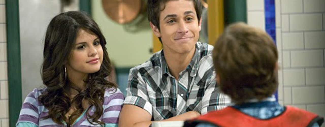 wizards of waverly place still