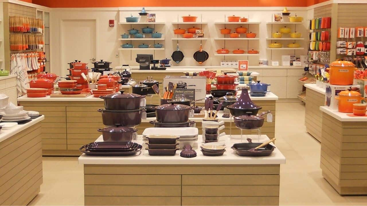 Foodies, Expand Your Le Creuset Collection at Outlet Prices Year Round